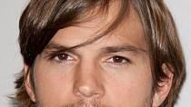 Ashton Kutcher se nejprve zdráhal roli v bláznivé komedii přijmout, ale nakonec dal filmu šanci.