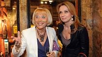 Známá režisérka s kamarádkou a herečkou Ivanou Chýlkovou.
