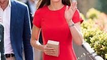 Dřív byla Kate Middletonová bez prsou...