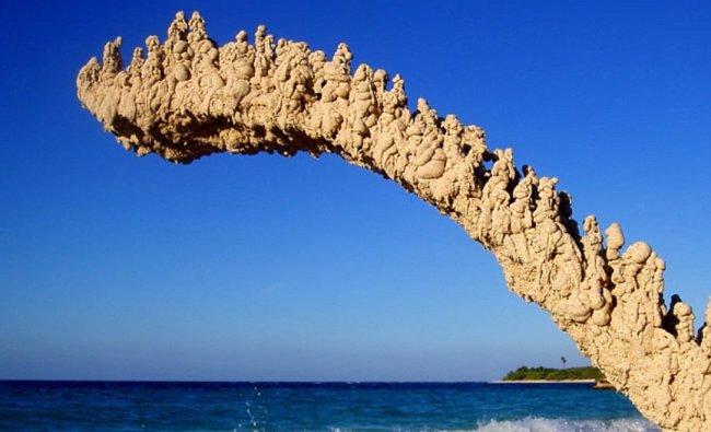 Sochy z písku, které také popírají fyziku.