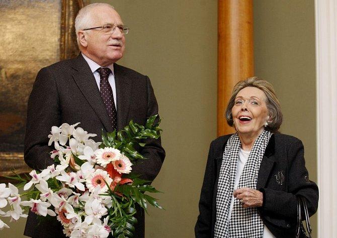 Jak šel čas s Jiřinou Jiráskovou: V roce 2011 s prezidentem Klausem