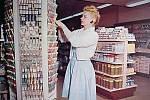 Stojan na zubní kartáčky v 50. letech.