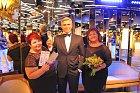 Hanka Křížková se svou dvojnicí a s voskovým Gorgem Clooneym