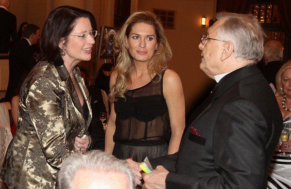 Olga Menzelová, Jiří Menzel a Miroslava Němcová