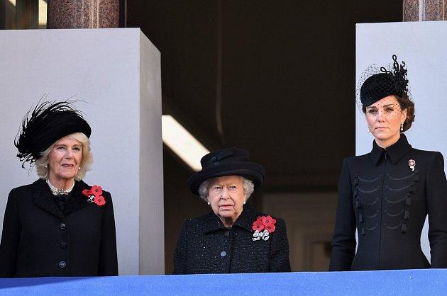 Kate Middleton, královna Alžběta a Camilla