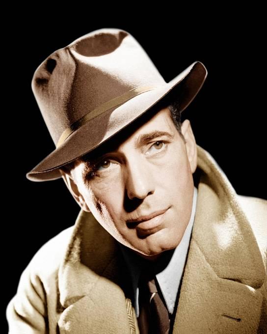 Humphrey Bogart s typickým kloboukem