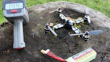 Tenhle dron dokáže věci, co jste ještě neviděli.