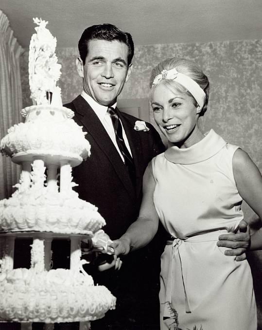 35 let: Vroce 1962 se vdávala počtvrté. Vyvoleným byl obchodník Robert Brandt.