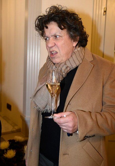 Richard Genzer to umí na večírcích pořádně rozjet, jak viděly i Karlovy Vary.