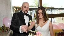 Před rokem porodila Lucie dceru Natálii a v květnu ji Matuš pojal za ženu.