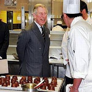 Princ Charles se o jídlo zajímá: Zde navštívil počátkem března studenty školy cateringu v britském Jorkšíru