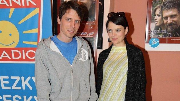 Herečka Jana Stryková čeká miminko s vnukem slavného Waldy Matějem..