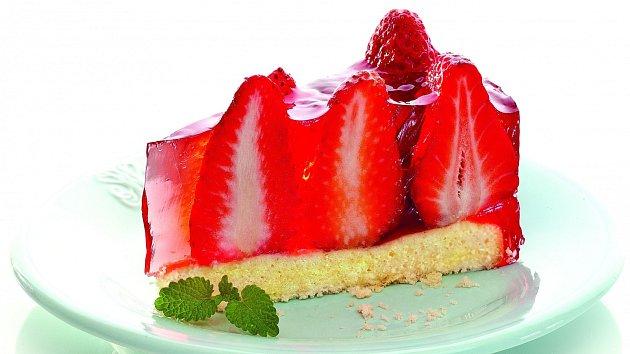 Lehký želé dortík bude ozdobou každé hostiny.