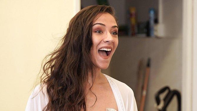 Krásná herečka je sympatická nejen svým vzhledem, lidem se líbí i její postava Týny Popelkové.
