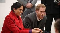 """Jako by se princ Harry radoval nad novým dnem v sexuálním rovrhu své ženy Meghan: """"Vidím správně, že je tam i čtvrtek? Jóóó!"""""""