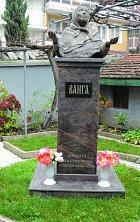 VBulharsku má Vanga hned několik soch.