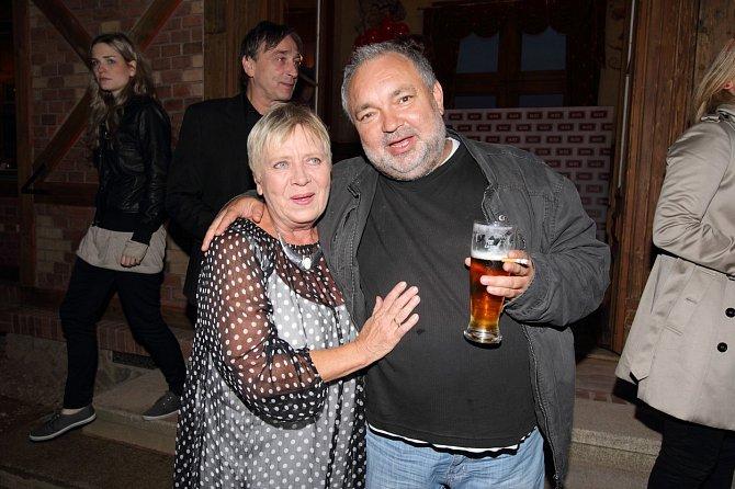 Jaroslava Obermaierová v seriálu Ulice ztvárňuje jeho matku.