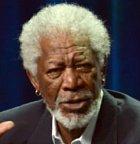 Reda hrál Morgan Freeman, pan herec, který si doma leští Oscara za roli ve filmu Million Dollar Baby. Morgana asi netřeba představovat, je to jeden z nejslavnějších herců současnosti.