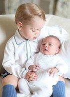 Princ George s malou Charlotte