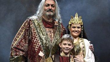 Dan Hůlka a Elis Ochmanová v muzikálu Sibyla, královna ze Sáby