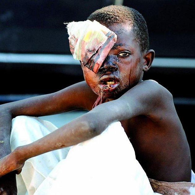 Z fotografií zemětřesení na Haiti běhá mráz po zádech. Utrpení po otřesech muselo být obrovské!
