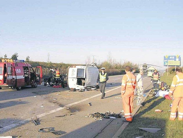 Dálnice D5 z Prahy do Plzně mezi sjezdem na Rokycany a Mýtem byla v sobotu uzavřena.