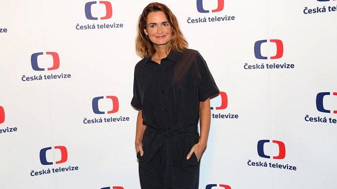 Šestnáct let působila coby moderátorka v České televizi, zanedlouho se stane stane součástí týmu DVTV.