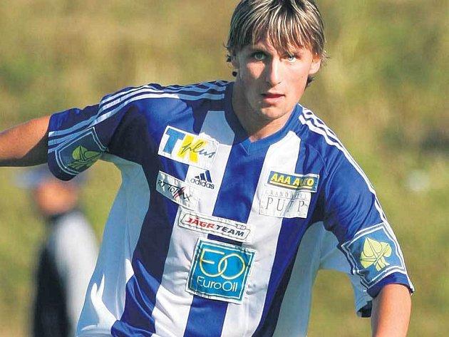 Brankář Tomáš Pöpperle si pobyt ve fotbalovém útoku užíval.