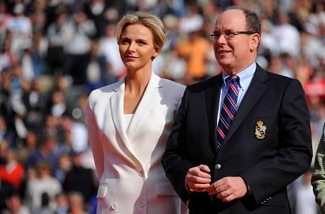Monacká kněžna Charlene s manželem