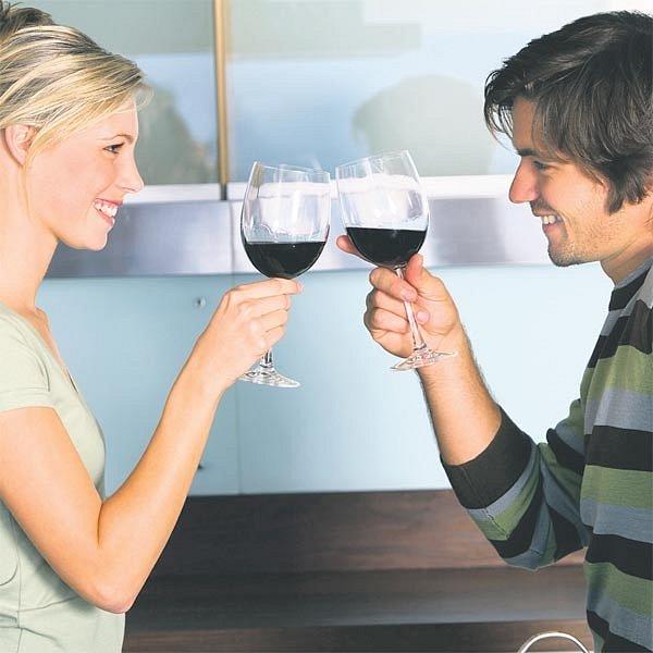 Dvě deci vína denně jsou podle vědců prospěšné našemu organismu. Posilují kosti a také potenci.