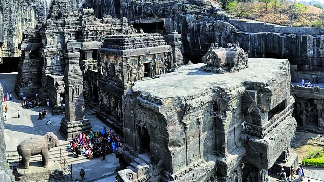 Výzdoba chrámu bere dech, stejně tak jeho rozměry.