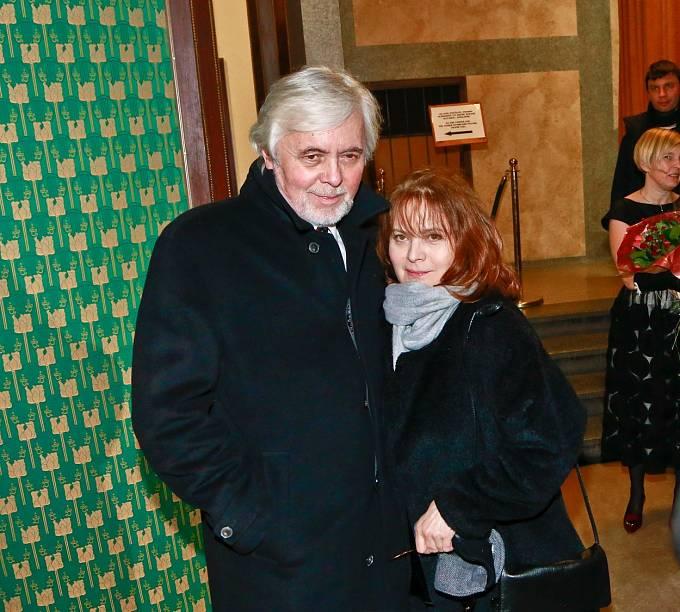 Libuška Šafránková totiž dostala u Menzela roli, a to hned hlavní. Takže když termíny natáčení kolidovaly, je jasné, že zvolila celovečerní film. A navíc velmi ambiciózní.
