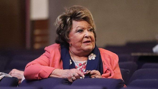 Jiřina Bohdalová se živila jako učitelka v Ostravě.