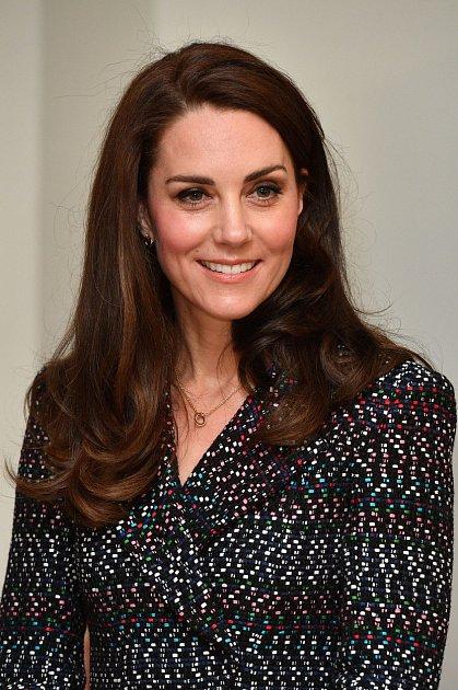 Kate Middleton má jako neurozená pro Meghan pochopení.