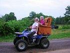 Tento pár pojal oslavu padesátého výročí velmi stylově.