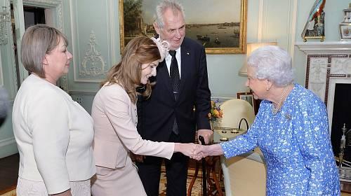Královna Alžběta II., Kateřina Zemanová, Miloš Zeman, Ivana Zemanová