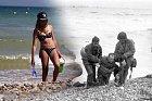 Na pláži se můžete vesele slunit, nebo běhat bosky, muži, kteří tu v roce 1944 bojovali, tu nezřídka přišli o své přátele a kamarády.
