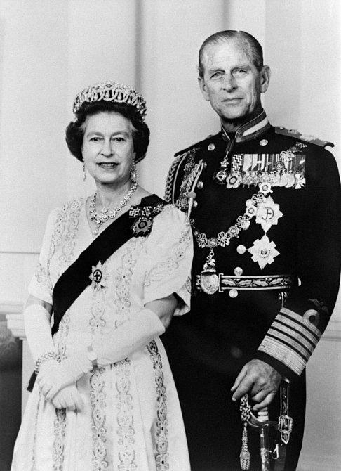 Po svatbě se musel princ vzdát svých šlechtických titulů a přijmout to, co mu jeho žena nabídla.