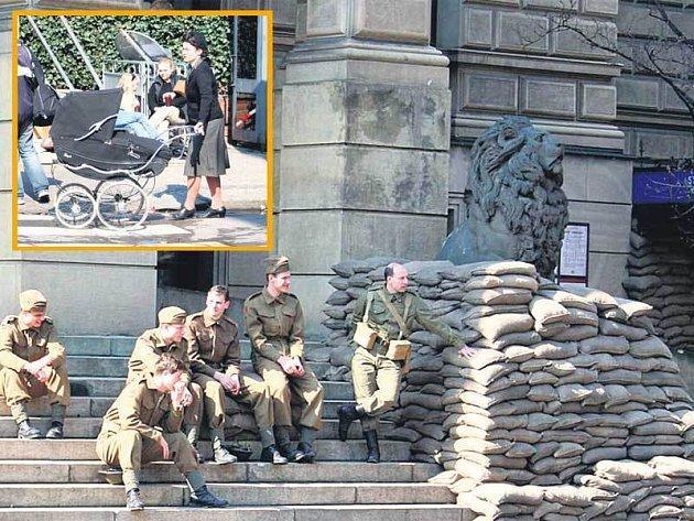 U Rudolfina byly k vidění nejen zástupy vojáků, ale i nádherný dobový kočárek.
