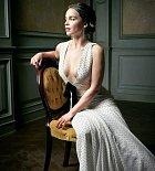 Emilia Clarkeová byla loni vyhlášena nejvíc sexy ženou světa časopisem Esqire.