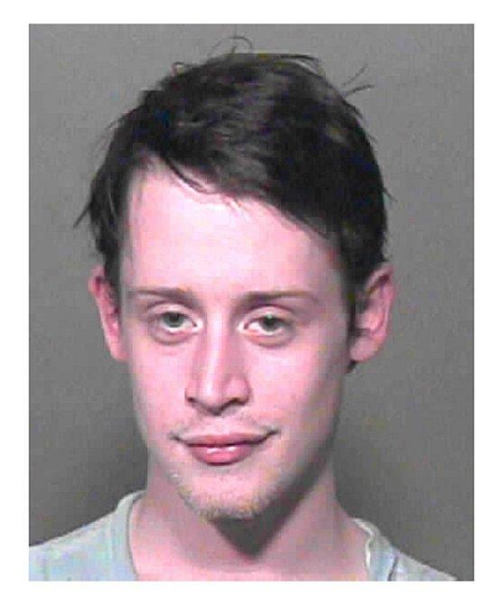 Culkin měl v autě trávu a prášky na předpis, byl zadržen a musel zaplatit vysokou pokutu