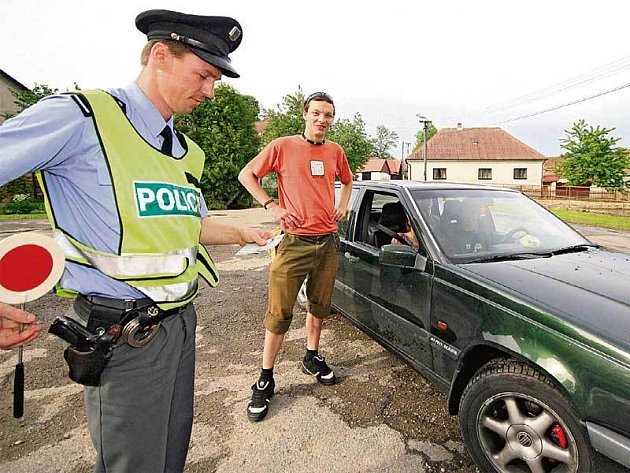 Řešení pro ty, co už na silnicích přišli o body a hrozí jim odebrání dokladů, představují nejezdící šoféři.