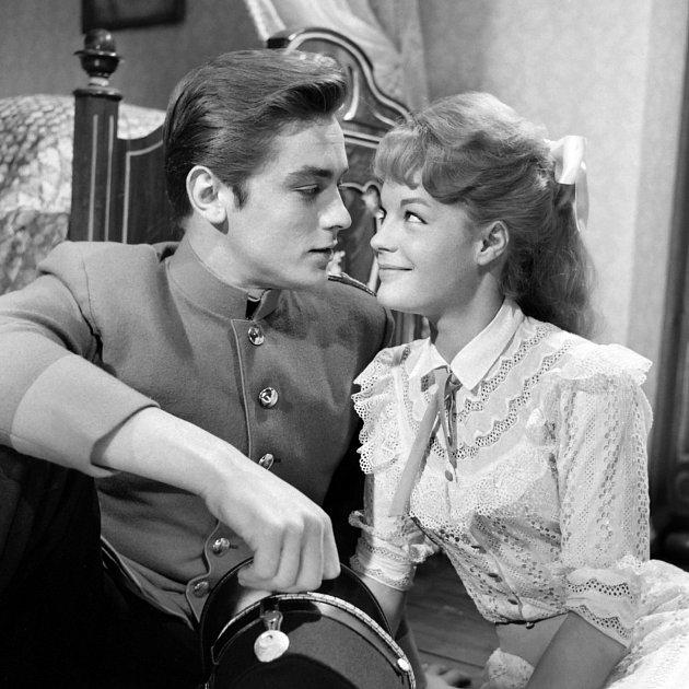 Při natáčení filmu Kristýna (1958) se zamilovala do Alaina Delona.