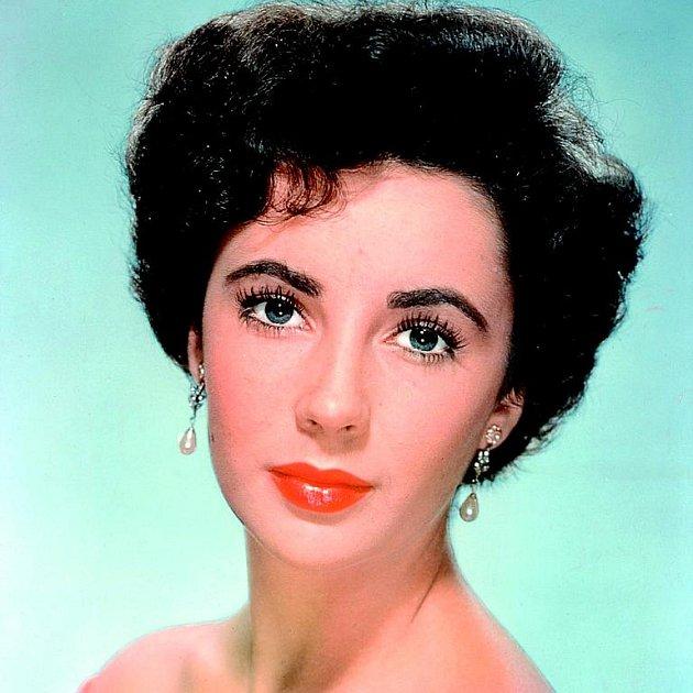 Slavná herečka je jen stínem někdejší krásky.