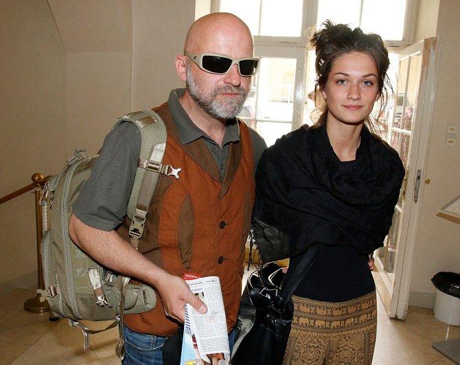 Do ligy hereckých es zapadá i charismatický Hynek Čermák (na snímku s manželkou Veronikou).