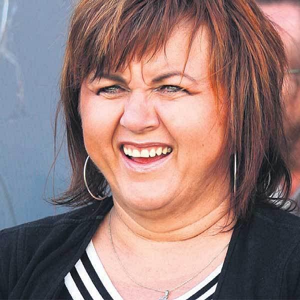 Zpěvačka Hana Křížková se řídí zásadou, že s úsměvem jde všechno v životě líp.