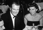 Do první manželky Josephine Saenz se zamiloval už v 16 letech.