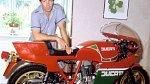Motorky byly jeho velkou vášní. Ostatně jako cokoli, co mělo motor.