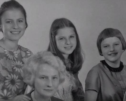Annelise se sestrami