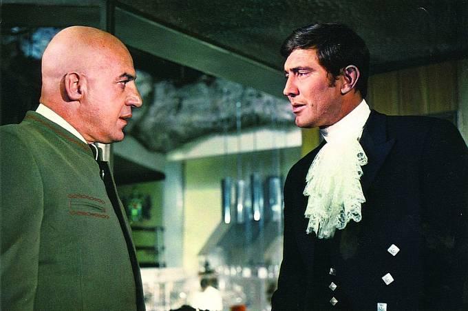 Jako zlosyn Blofeld čelil agentovi 007 vefilmu Vtajné službě Jejího veličenstva (1969).
